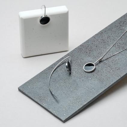 Серьги серебряные Рыбки Круг с эмалью черной Youko
