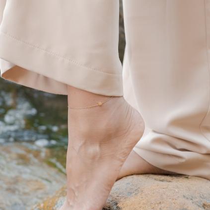Браслет серебряный на ногу (анклет) Кубик Youko жёлтая позолота